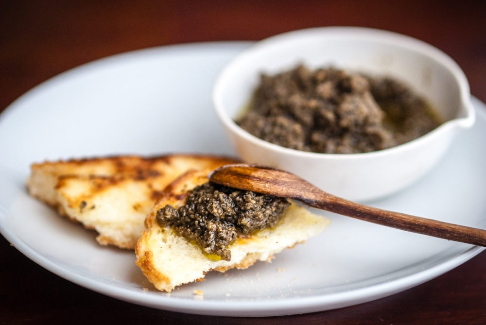 Olive tapenad with toasted bread