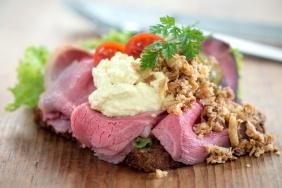 Beef remoulade sandwich A-0010